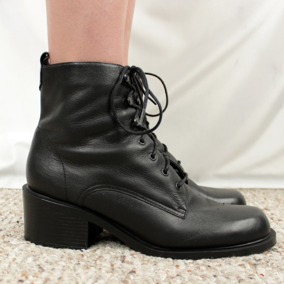 dfb6e87b6d165 ✨VTG✨ 90s Leather Ankle Boots